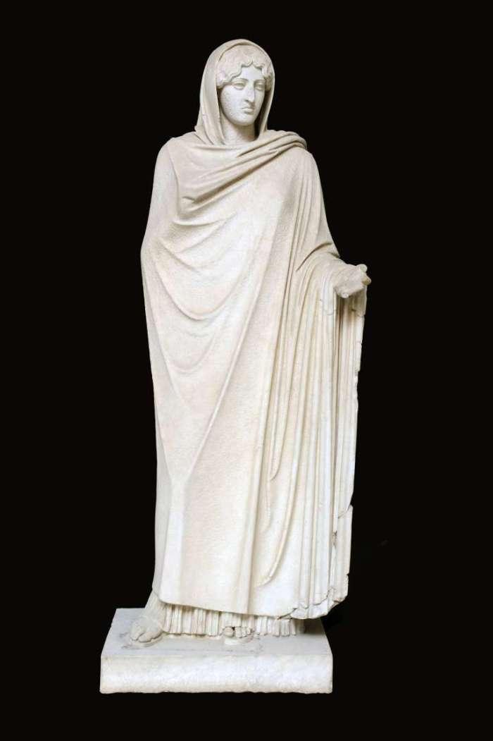 Kalamis, Afrodite Sosandra, copia romana da un originale in bronzo del 460 a.C., Napoli, Mann