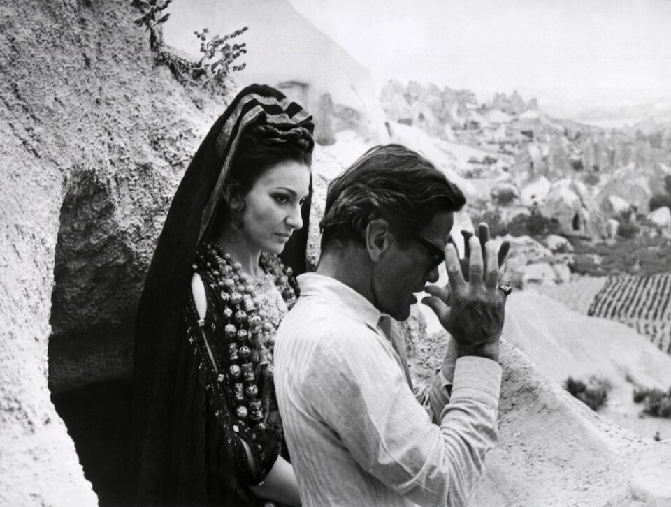 Maria Callas e Pasolini fotografati nel 1969 in Turchia sul set di Medea