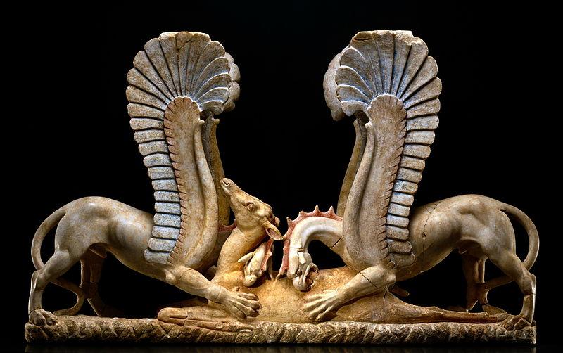 Trapezophoros - decorazione ritrovata in una tomba dauna