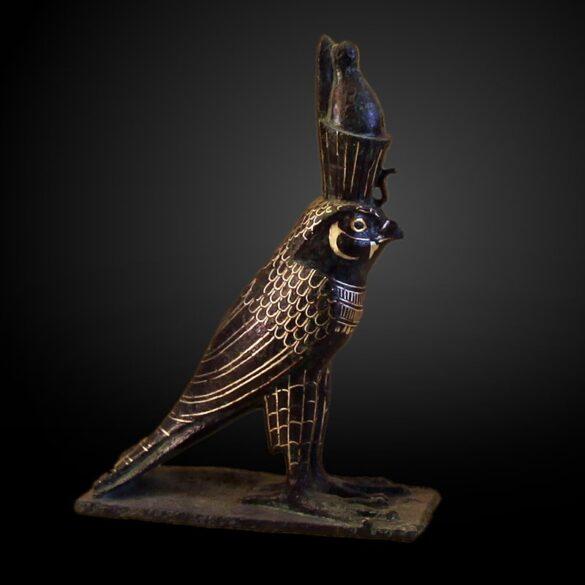 Statuetta di Horus in forma di falco